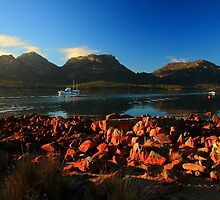 perfect hazard. coles bay, freycinet, tasmania. by tim buckley | bodhiimages