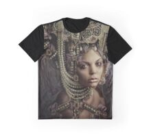 HER MAJESTY Graphic T-Shirt