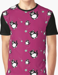 Cat with ball of wool   Graphic T-Shirt