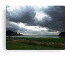 Thunderous clouds Canvas Print