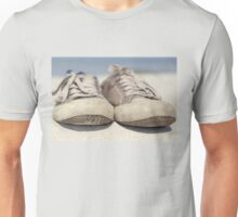 Sneakers old Unisex T-Shirt