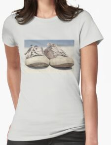 Sneakers old Womens Fitted T-Shirt