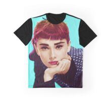 Glamour Pout Graphic T-Shirt