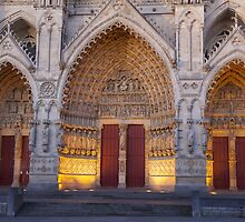 Entrance of the cathedral of Amiens by PhotoBilbo