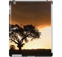 sunset with silhouetted tree iPad Case/Skin