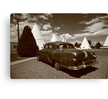 Route 66 - Wigwam Motel and Classic Car Canvas Print