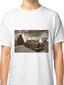 Route 66 - Wigwam Motel and Classic Car Classic T-Shirt