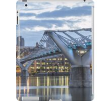St Pauls left and the Bridge - London iPad Case/Skin