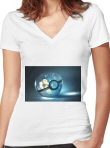 Pokemon Cyndaquil Women's Fitted V-Neck T-Shirt