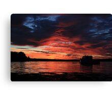 Sunrise at the shore Canvas Print