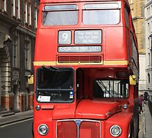 Red Bus  by csajos