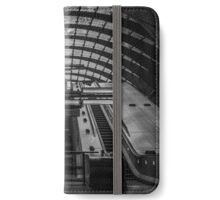 2016/D/18 - (In Black and white) iPhone Wallet/Case/Skin