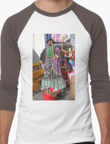 Halloween witch outside a shop Men's Baseball ¾ T-Shirt