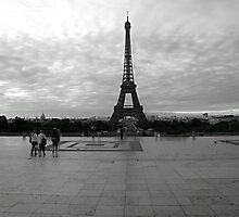 Eiffel Tower by doval