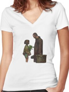 Leon The Professional Women's Fitted V-Neck T-Shirt