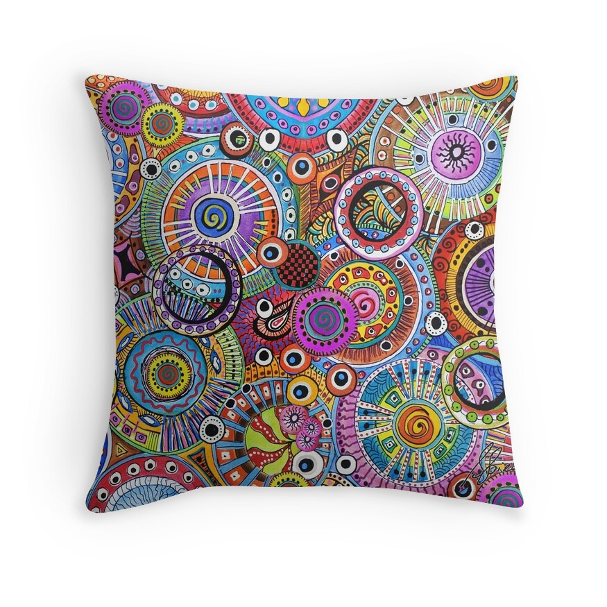 Circle Design Throw Pillows :