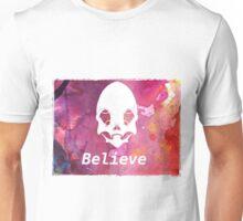 alien skull belive  Unisex T-Shirt