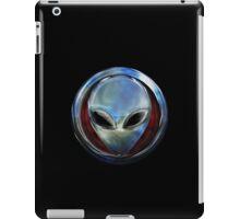 Metal Alien Head 03 iPad Case/Skin