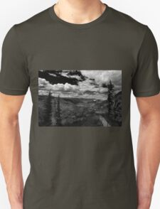 Giron Valley - BW Unisex T-Shirt