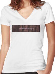 soundofthegeeks // forest banner Women's Fitted V-Neck T-Shirt