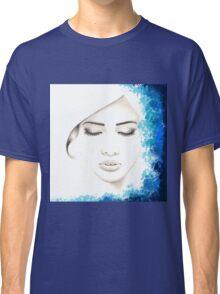 Minimalist girl Classic T-Shirt