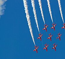 Diamond Nine Roll - The Red Arrows !! - Farnborough 2014 by Colin J Williams Photography