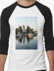 Picture Perfect - Little Lighthouse Framed by Yachts Men's Baseball ¾ T-Shirt