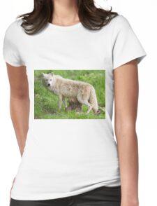 Arctic wolf feeding pups T-Shirt