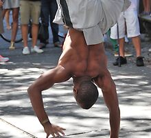 Breakdancer 2  by WeridofWerid