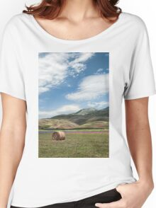The flowering of Castelluccio under a blue sky Women's Relaxed Fit T-Shirt