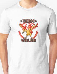 Team Valor pokemon go Pixelart Unisex T-Shirt