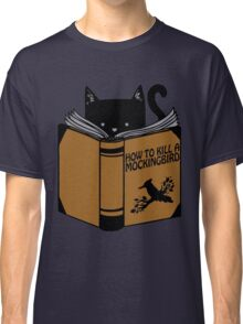 CAT AND BOOK Classic T-Shirt