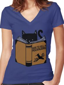 CAT AND BOOK Women's Fitted V-Neck T-Shirt