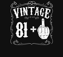 Vintage middle finger salute 82nd birthday gift funny 82 birthday 1934 Unisex T-Shirt