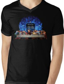 The Doctor Lost in the last Supper Mens V-Neck T-Shirt