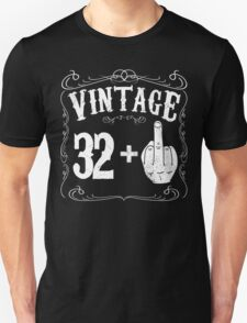 Vintage middle finger salute 33rd birthday gift funny 33 birthday 1983 Unisex T-Shirt