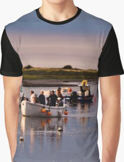 Boats Trippers Returning Home - British Coast And Beach  Graphic T-Shirt