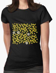 paquerettes et pissenlits sur fond noir Womens Fitted T-Shirt