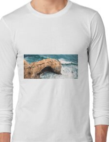 The Arch at Port Campbell National Park Long Sleeve T-Shirt