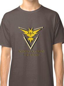 Team Instinct - Nobody Outruns The Storm Classic T-Shirt