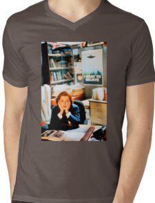 DANA SCULLY x files Mens V-Neck T-Shirt