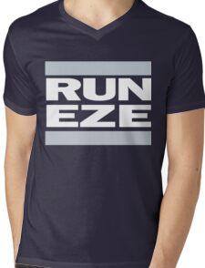 RUN ZEKE ELLIOTT! - Ezekiel Elliott Shirt Mens V-Neck T-Shirt