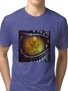 Reptile reflection in the Dragon's eye! Tri-blend T-Shirt