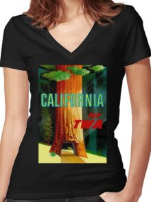 """""""TWA AIRLINES"""" Fly to California Advertising Print Women's Fitted V-Neck T-Shirt"""