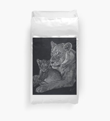 Mother's arms Duvet Cover