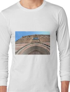 Building facade from Foligno with arches and brick decoration. Long Sleeve T-Shirt