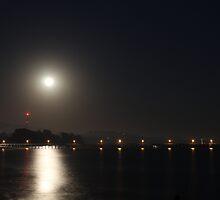 Full Moon Rise by Henrik Lehnerer