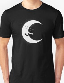 Gifts For Mom - Moon Hug Shirt - Funny Picture T-Shirt Unisex T-Shirt