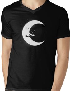 Gifts For Mom - Moon Hug Shirt - Funny Picture T-Shirt Mens V-Neck T-Shirt