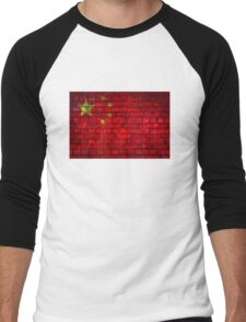 China vintage flag painted on a red brick wall Men's Baseball ¾ T-Shirt